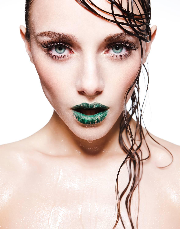 <p>Crème de la Crème<br /> Coriander<br /> VMG winter magazine<br /> Lithuania<br /> 2013 </p>